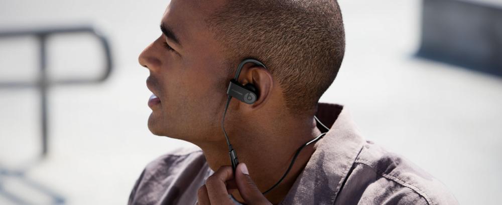 19-02/07/powerbeats-headphones.png