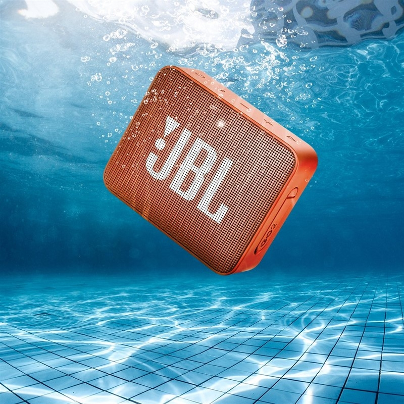 19-03/13/jbl_go2_bspeaker_orange_intro3.jpg